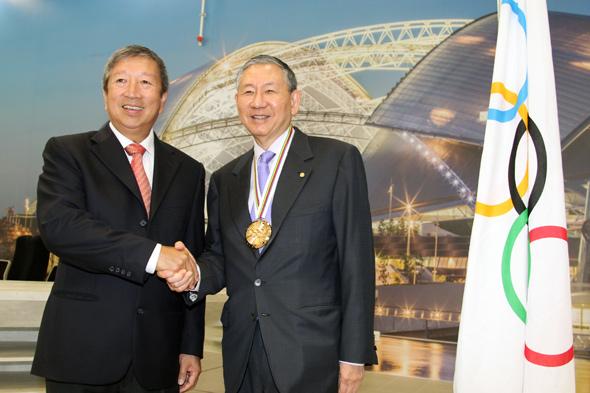 hwang_medal